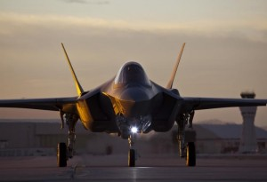f35taxi(large)__main