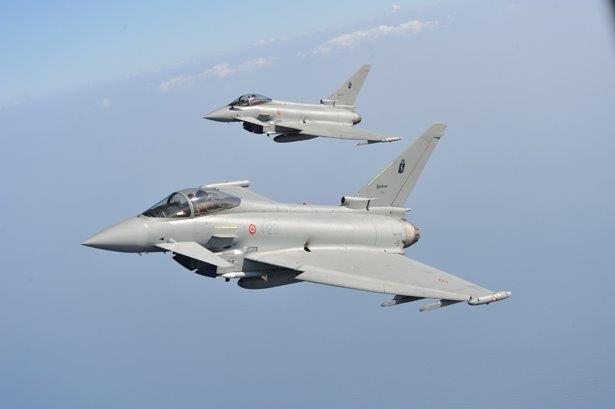 Aereo Da Caccia Dei Russi : Typhoon italiani quot contro i russi sul baltico analisi difesa