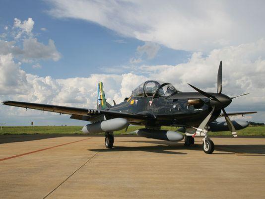 IL SUCCESSO DEL SUPER TUCANO IN AFRICA - firmato un contratto per 5 A-29 dal Ghana e 6 dal Malì