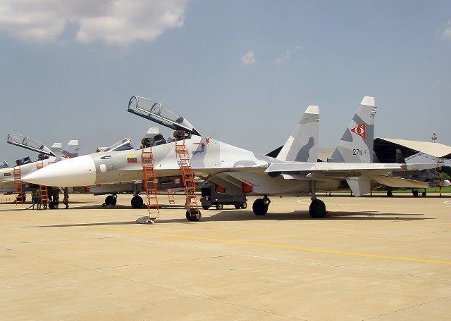 NUOVI CACCIA SUKHOI PER IL VENEZUELA - Intenzione di voler acquistare una dozzina di nuovi caccia Sukhoi insieme ad attrezzature militari di provenienza cinese.