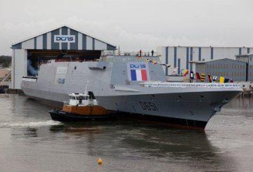 Mise-à-flot-de-la-FREMM-Normandie@DCNS_-2