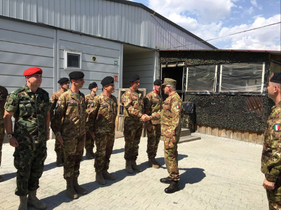 Missione silenziata per gli italiani al confine siriano for Soggiorni militari invernali 2016 2017