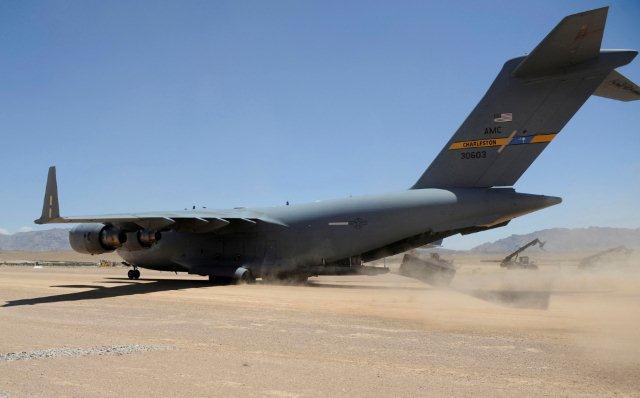 C-17_Globemaster_III_6