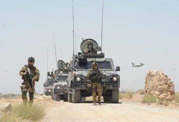 02-Fucilieri-dellAria-durante-un-pattugliamento