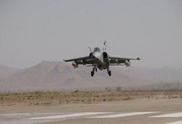 02-il-velivolo-AMX-che-ha-raggiunto-il-traguardo-delle-7000-in-fase-di-atterraggio