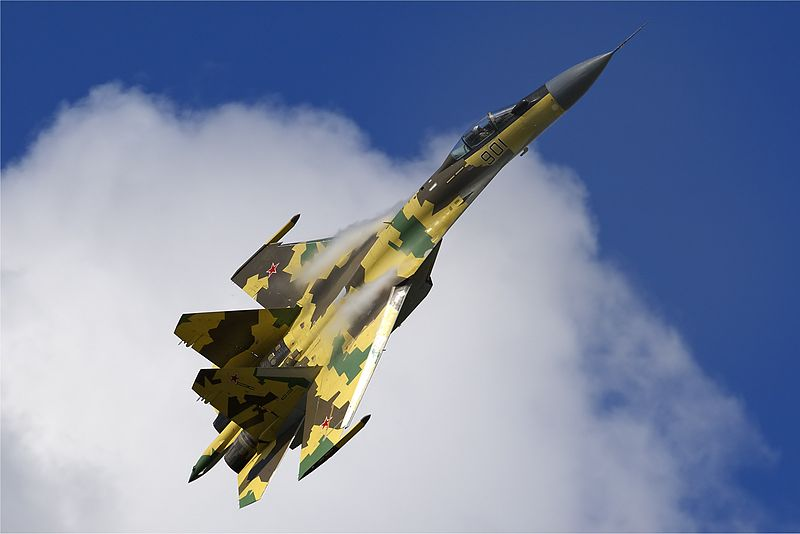 800px-Russian_Air_Force_Sukhoi_Su-35_Belyakov