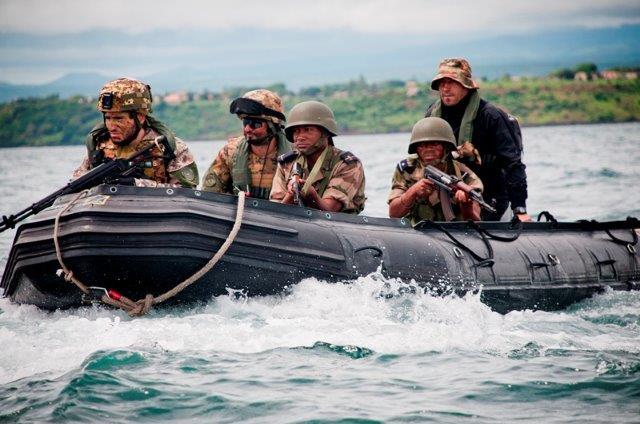 Addestramento-congiunto-con-la-Marina-Malgascia-2