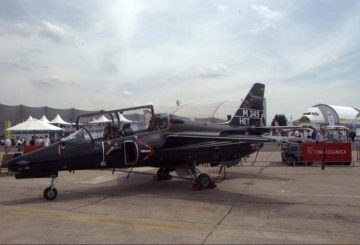 Alenia-Aermacchi-M-345-HET-at-the-Paris-Air-Show-2013