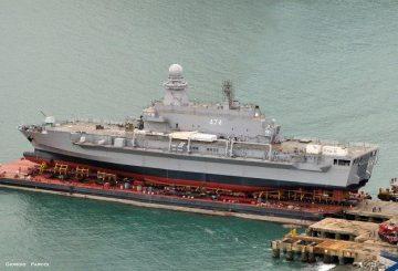 Algerian_Navy_amphibious_ship_BDSL_lpd_Kalaat_Beni_Abbes_Fincantieri_1