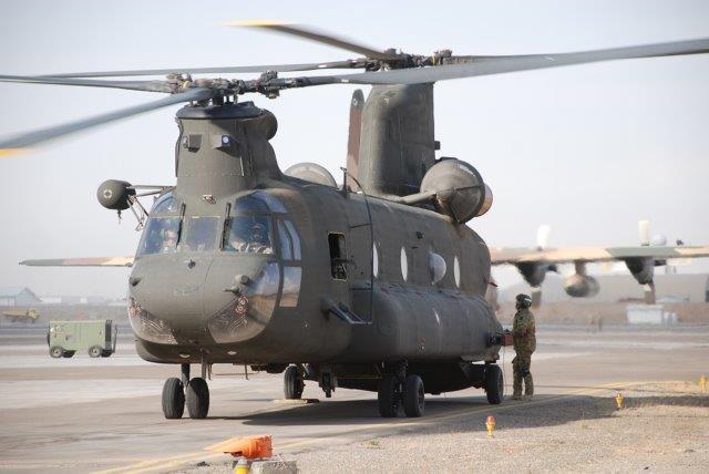 CH-47-pronto-al-rullaggio