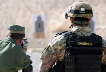 Carabinieri-del-PAT-addestrano-poliziotti-afgani