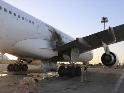 Damaged_A330_Tripoli_400x300