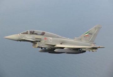 Eurofighter-Typhoon-Storm-Shadow-Initial-Flight-Trials-1-foto-L-Caliaro-2