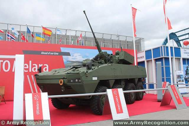 Hitfist_turret_OTO_Melara_on_Rosomak_8x8_armoured_at_MSPO_2013_defense_exhibition_Kielce_Poland_001