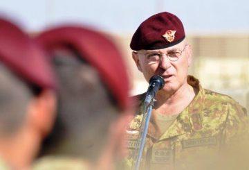 Il-generale-Bertolini-parla-ai-paracadutisti-del-reggimento-Nembo-a-Shindand