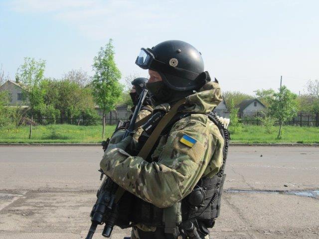 KRAMATORSK-militare-del-SBU-©-Eliseo-Bertolasi3