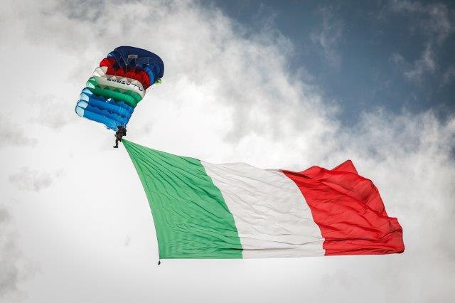 Lancio-bandiera-150mq