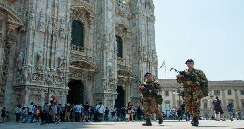 Con i militari nelle strade lo Stato finge di curare i mali di cui è responsabile