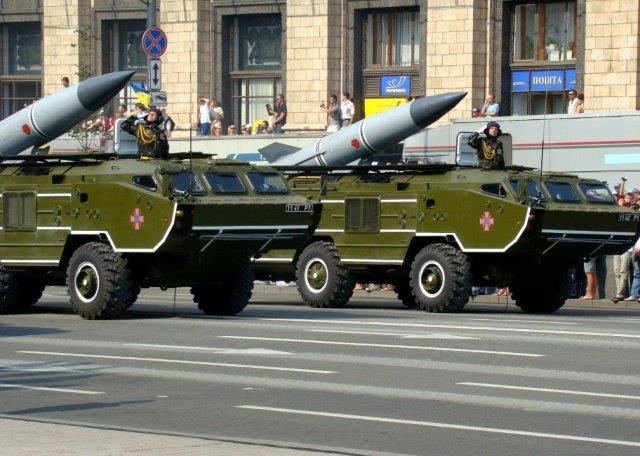 OTR-21_Tochka_missiles_in_Ukrainian_service