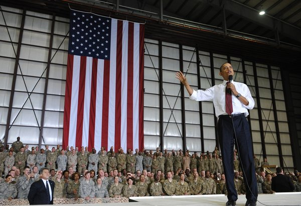 Obama_in_Afghanistan_20121
