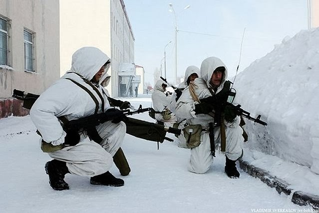 Russian_airborne_troops_on_military_exercises_in_the_Russian_Arctic_region_640_001