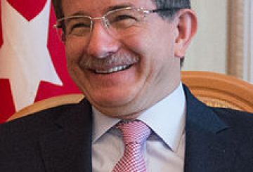 Secretary_Kerry_with_Turkish_Foreign_Minister_Ahmet_Davutoglu_9194219643_cropped