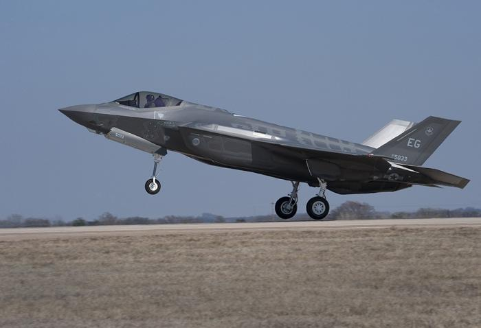 af-44_takeoff-3__main