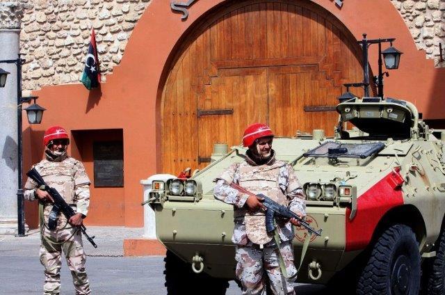 l43-esercito-libico-libia-130507124445_big