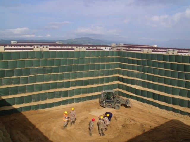 linterno-del-barricamento-costruito-dalgi-artificieri-dellEsercito-2