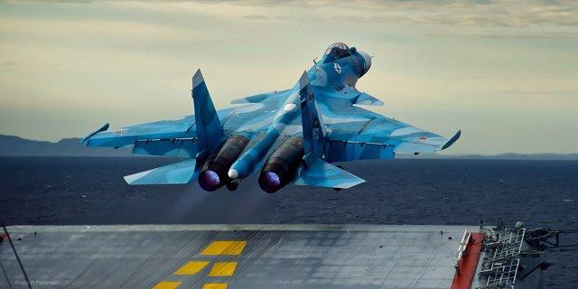 sukhoi_su-33_launching_from_the_admiral_kuznetsov