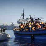 Operazioni di salvataggio di migranti da parte di Nave Espero, nell'ambito dell'operazione Mare Nostrum, Mar Mediterraneo Meridionale, 29 Aprile 2014. ANSA/GIUSEPPE LAMI