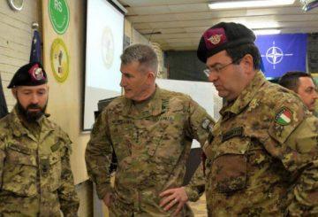 Generale Nicholson al comando italiano di Herat. TAAC W