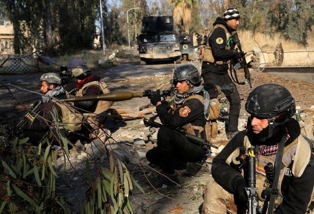 L'esercito iracheno annuncia: strappata all'Isis tutta Mosul est