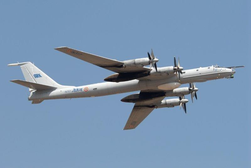 Tupolev_Tu-142_wikipedia_IT