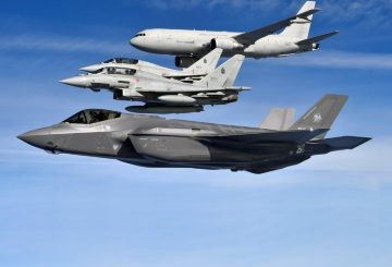 F-35-crossing-with-Typhoon-and-KC767