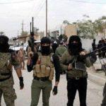 """Roma, 3 lug. (askanews) - Sono oltre 36mila, tra morti e feriti, le vittime del terrorismo in Iraq nel 2014. Il bialncio di sangue, ad un anno dalla nascita dello Stato Islamico (Isis) autoproclamatosi il 29 giugno 2014, lo ha reso noto con un rapporto il ministero dei Diritti dell'Uomo iracheno. Oltre i morti e i feriti, il ministero ha censito anche altri danni provocati dalla furia distruttrice degli uomini del Califfato come la distruzione di ben 201 moschee e della fuga di circa mezzo milione di famiglie dalle province controllate dai Jihadisti: Ninive, al Anbar e Salhuddine.  """"Il numero dei morti nel corso dell'anno scorso in tutte le province irachene ad eccezzione di Ninive, Salhuddine e al Anabr (quelle controllate dall'Isis, ndr) e la regione autonoma del Kurdistan è stato di 4722 persone uccise mentre quelle ferite sono state in 28.525"""", ha detto il ministero iracheno in un comunicato diffuso oggi.   Pesante anche il bilancio delle vittime tra gli uomini dei media. Secondo i dati del ministero, dal 2013 al 2014 sono stati uccisi 406 giornalisti, """"14 dei quali trucidati nel 2014"""". Tributo di sangue anche tra i magistrati che nel corso dell'anno appena passato hanno perso """"sei giudici uccisi dai terroristi"""".  Nel rapporto del ministro viene censito anche il numero dei luoghi di culto musulmani distrutti dagli islamisti del Califfato; secondo i dati della Sovraintendenza sunnita dalla nascita dell'Isis a giugno ad oggi nelle zone controllate dagli uomini del Califfo Abu bakr al Baghdadi """"sono stati colpiti 201 moschee"""". Ed infine stando ai dati del ministero della Migrazione, """"nel 2014 sono state 493.990 le famiglie che sono fuggite dalle proprie province"""" a causa della violenza."""