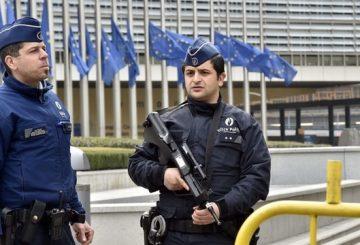 10291771-attentat-a-bruxelles-direct-au-moins-un-suspect-toujours-en-fuite