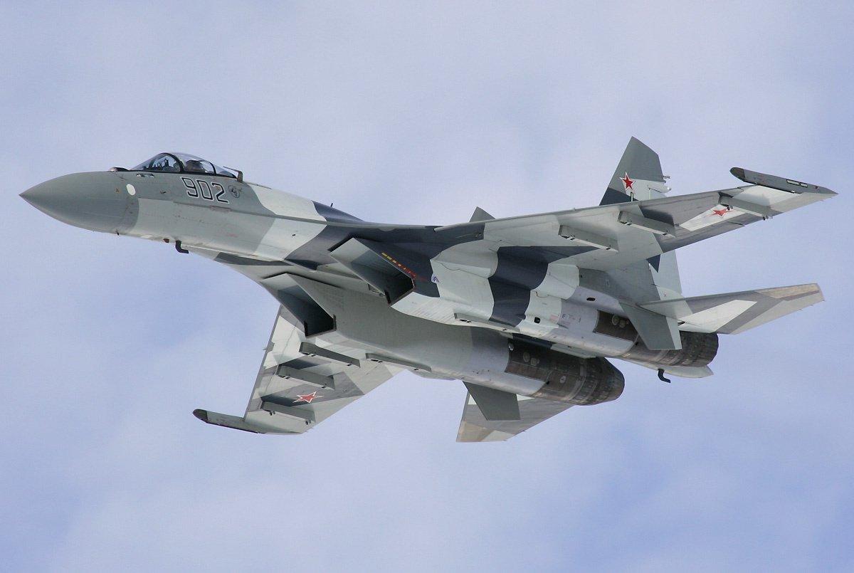 Sukhoi_Su-35_fightersweep.com
