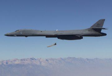 B-1B-Drops-LRASM