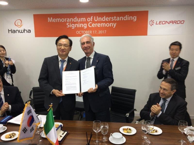 Leonardo-Hanwha signing ceremony