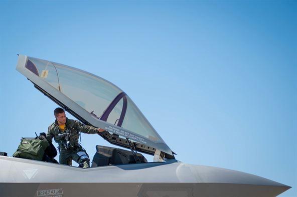 Pilota F35