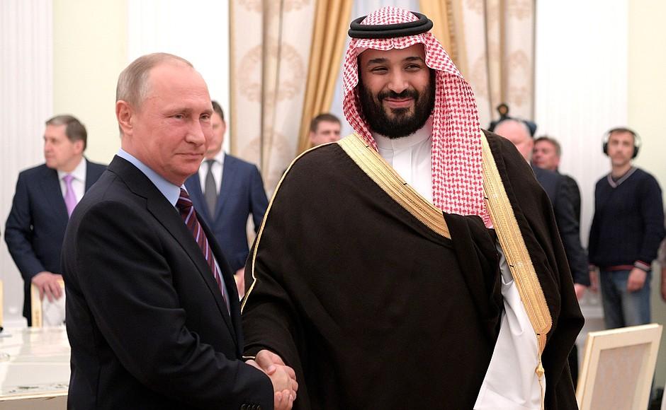 Con-il-Vice-principe-ereditario-e-ministro-della-Difesa-saudita-Mohammad-bin-Salman-Al-Saud