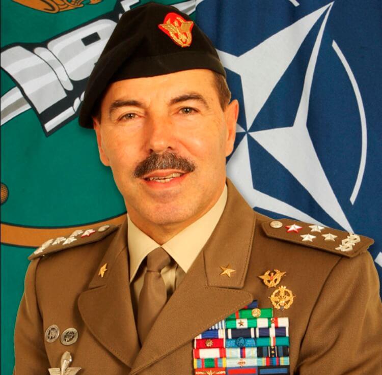 Il-Generale-di-corpo-darmata-dellEsercito-italiano-Salvatore-Farina