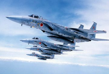 japanese-self-defense-force-f-15-eagle-fighter-jets