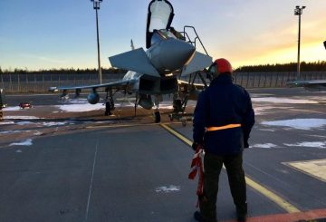 Eurofighter con Crew Chief (002)