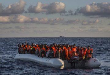 migranti MARINA MILITARE
