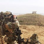 Militari italiani in osservazione durante il PTAA a Qal'ha-ye Now (002)