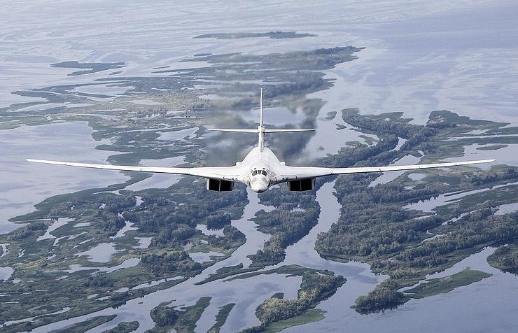 10_Tu-160_TASS (002)