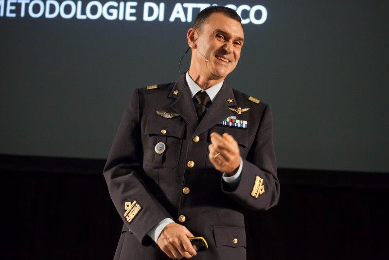Festival-della-Scienza-2016.-Conferenza-sulla-cyber-security.-Gen.-B.A.-Francesco-Vestito