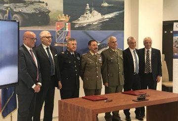 6 I rappresentanti delle Forze armate e della Società Consortile Iveco Oto Melara_ (002)